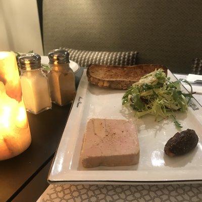 Belle tranche de foie gras de canard image