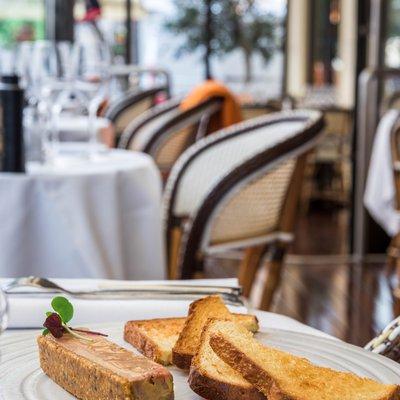 Belle tranche de Foie gras aux noisettes de Cervione image