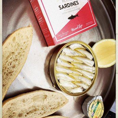 Petites sardines NPS à l'huile d'olive image